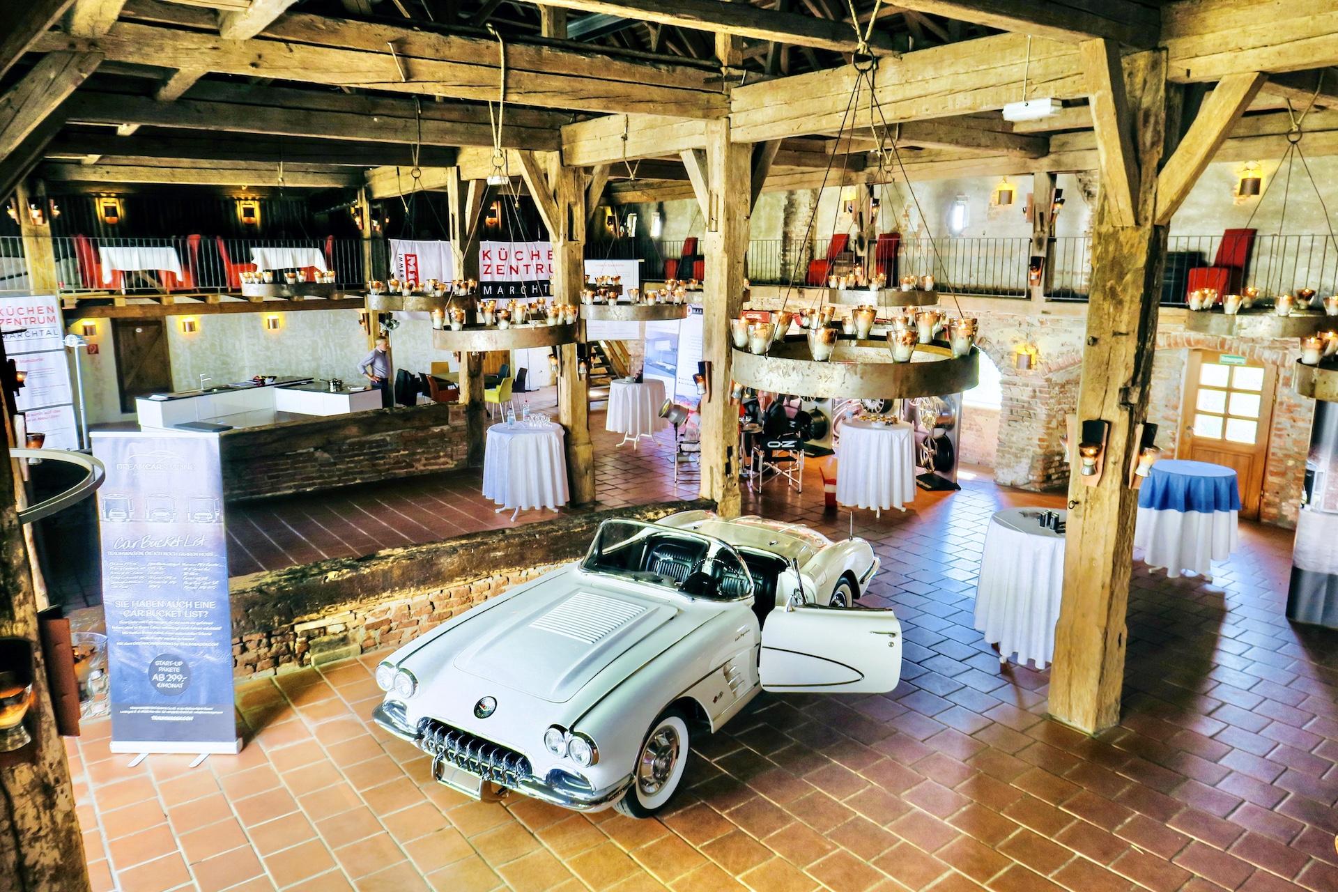Schloss Neuburg - Schloss Stadel, Messe, Ausstellung, Auto, Autoausstellung